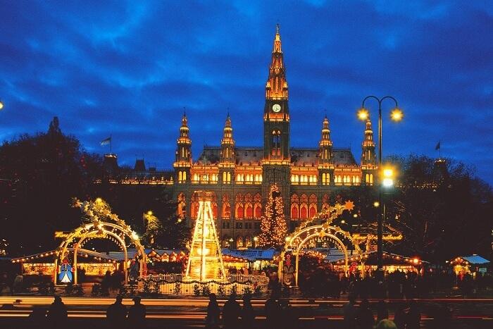 Không khí Giáng sinh nhộn nhịp khắp châu Âu khiến mọi người chỉ muốn đi chơi ngay - 7