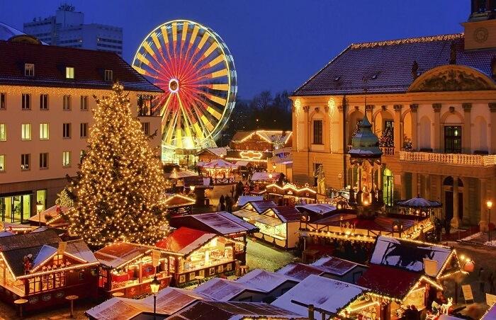 Không khí Giáng sinh nhộn nhịp khắp châu Âu khiến mọi người chỉ muốn đi chơi ngay - 10