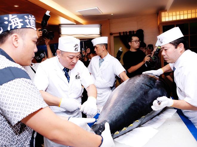 Bếp trưởng Sushi Hokkaido Sachi tiết lộ bí mật về hải sản tươi sống làm nên món ăn cực phẩm - 5