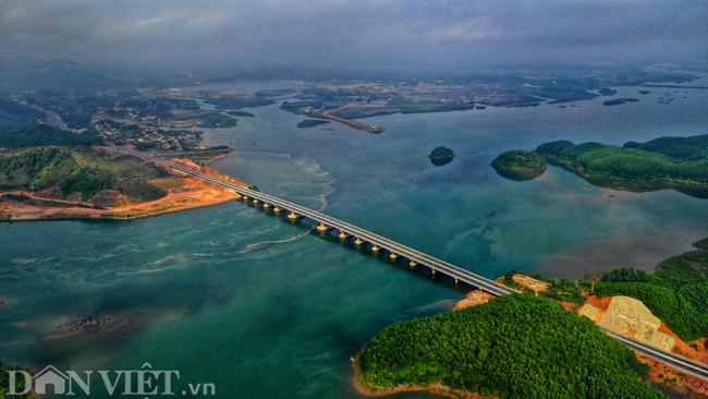 Toàn cảnh cao tốc 12.000 tỷ đồng tại Quảng Ninh trước ngày thông xe - 5