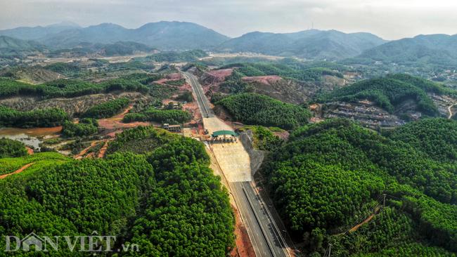 Toàn cảnh cao tốc 12.000 tỷ đồng tại Quảng Ninh trước ngày thông xe - 6