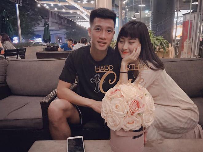 Tiền vệ Huy Hùng - cầu thủ chăm khoe ảnh bạn gái nhất tuyển Việt Nam - 5