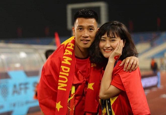 Tiền vệ Huy Hùng - cầu thủ chăm khoe ảnh bạn gái nhất tuyển Việt Nam - 7