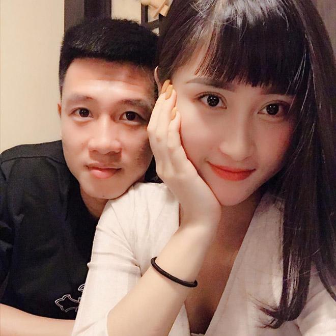 Tiền vệ Huy Hùng - cầu thủ chăm khoe ảnh bạn gái nhất tuyển Việt Nam - 6