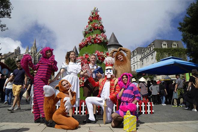 Check-in lễ hội mùa đông đậm sắc màu châu Âu trên đỉnh Bà Nà - 5