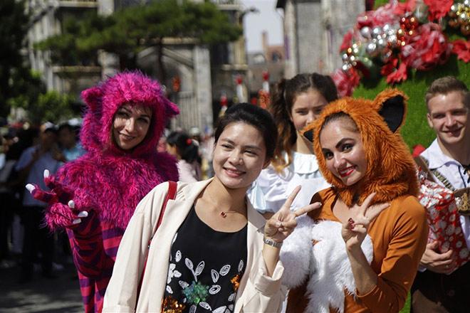 Check-in lễ hội mùa đông đậm sắc màu châu Âu trên đỉnh Bà Nà - 7