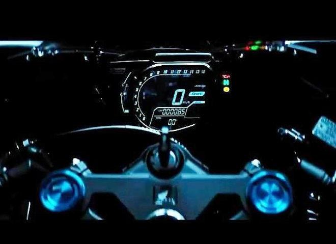 Thích môtô, mua Honda CBR250RR hay Kawasaki Ninja 250? - 3