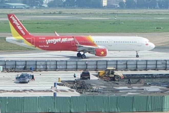 Thêm máy bay của VietJet Air gặp cảnh báo kỹ thuật khi tăng tốc chạy đà - 1