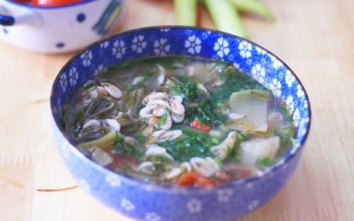 Canh dưa chua nấu tép dân dã ngon cơm - 3