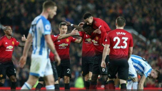 """MU vô đối Boxing Day ở """"hang Quỷ"""", đón huyền thoại Rooney trở lại - 1"""