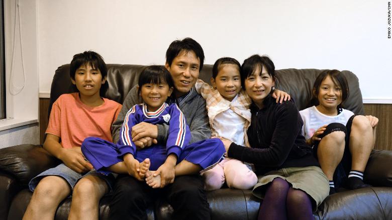 """Nơi giỏi nhất nước Nhật về """"thúc"""" đẻ, mỗi gia đình có ít nhất 3 con - 3"""