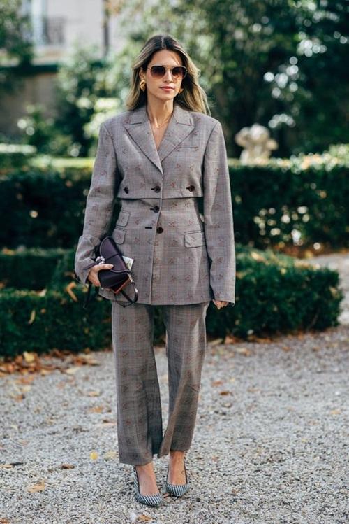 Gợi ý kiểu mặc giúp nữ công sở may mắn suốt cả năm - 1