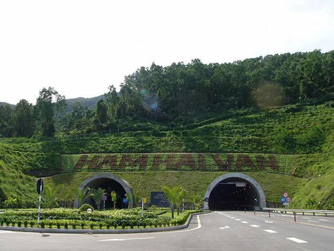 Đèo Hải Vân - cung đường tuyệt tác của thế giới - 9