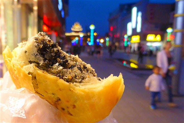 Du khách đến Bắc Kinh sẽ mê mệt những món ăn này - 6