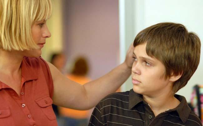 8 hậu quả nghiêm trọng với con cái khi cha mẹ giả vờ sống hạnh phúc - 3