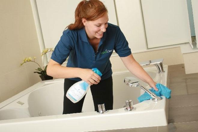 Cách dọn nhà vệ sinh và nhà tắm sạch sẽ để an toàn cho sức khỏe