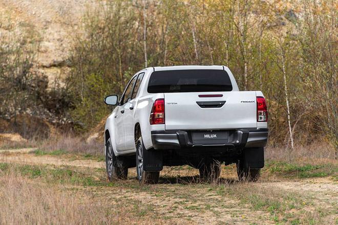 Toyota HiLux được cập nhật hệ thống an toàn chủ động và Stop-Start - 4