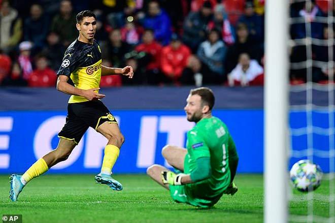 Đêm diễn của siêu sao Cúp C1: Ngất ngây Salah, Suarez, Messi - 9