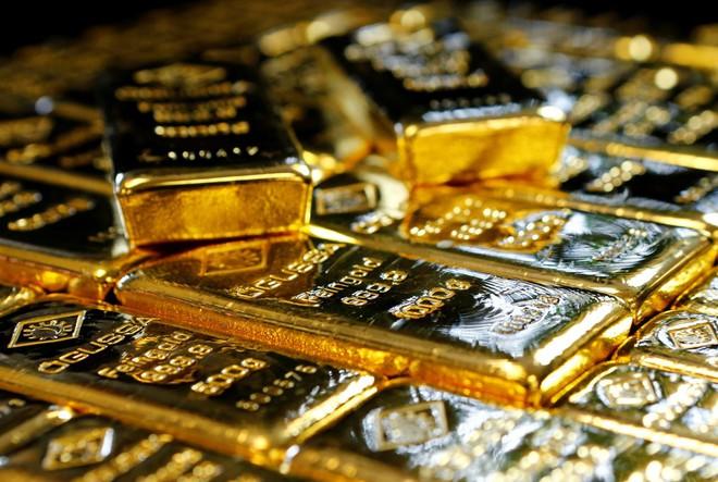 Giá vàng hôm nay 4/10: Thế giới đầy bất ổn, vàng tiếp đà tăng ngoạn mục - 1