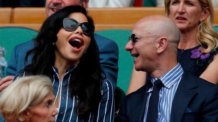 Ảnh: Những dấu mốc của tỷ phú giàu nhất thế giới từ khi có hơn 1 tỷ USD đến khi có hơn 100 tỷ