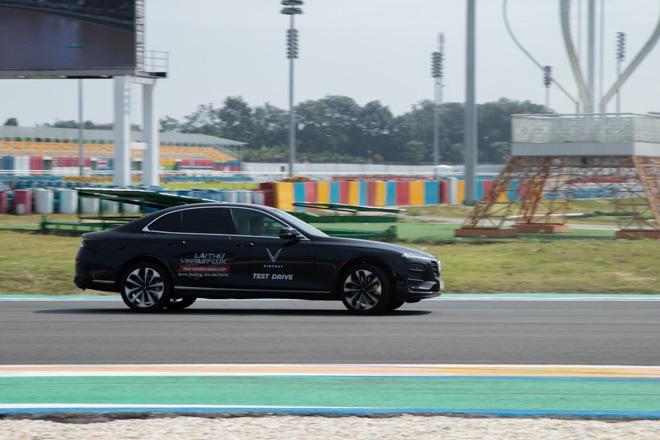 Cùng chuyên gia quốc tế lái thử xe Vinfast tại trường đua Đại Nam - 11