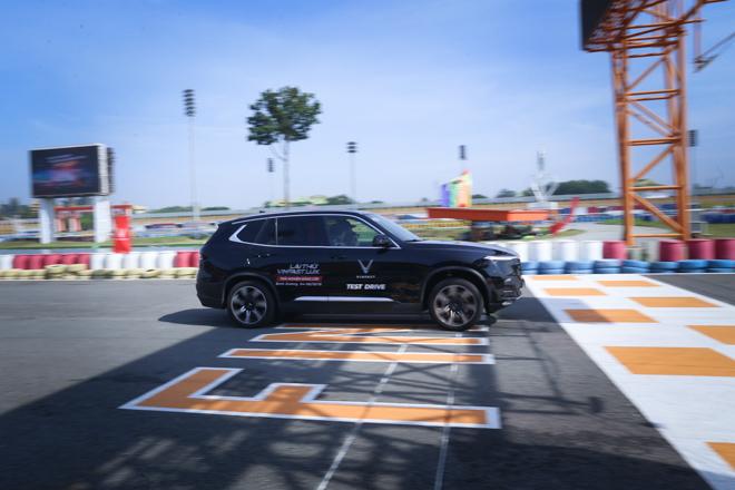 Cùng chuyên gia quốc tế lái thử xe Vinfast tại trường đua Đại Nam - 15