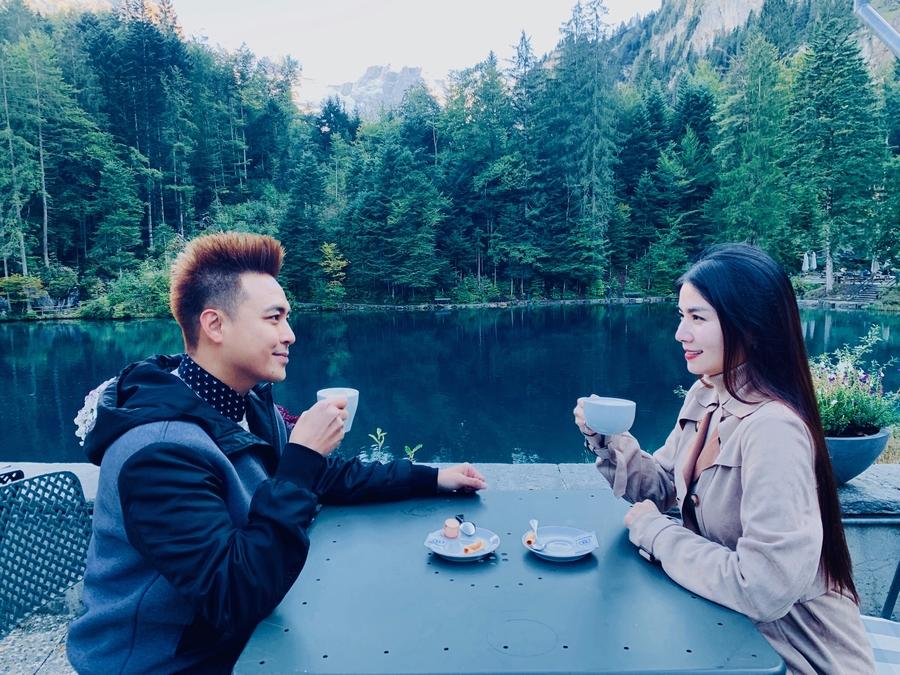 """Vợ chồng Kha Ly, Thanh Duy tham quan """"thiên đường có thật"""" tại Thụy Sỹ - 4"""