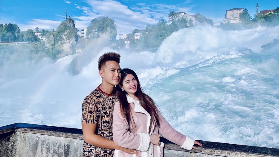 """Vợ chồng Kha Ly, Thanh Duy tham quan """"thiên đường có thật"""" tại Thụy Sỹ - 9"""