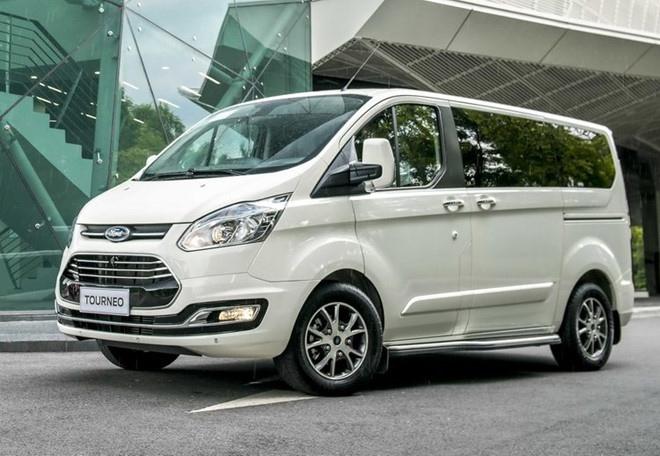 Ford Tourneo lắp ráp tại Việt Nam ra mắt với 02 phiên bản giá từ 999 triệu