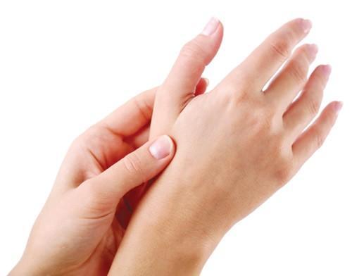 Những thói quen gây hại xương khủng khiếp, bỏ ngay nếu không muốn tàn phế - 4