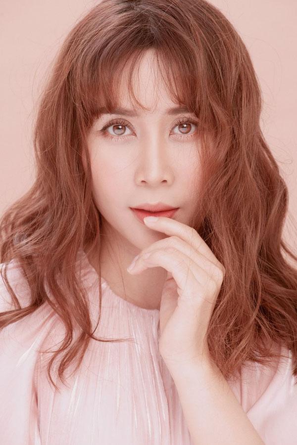 Giữa tin ly hôn Hồ Hoài Anh, Lưu Hương Giang đẹp như nữ thần nhờ phẫu thuật - 7