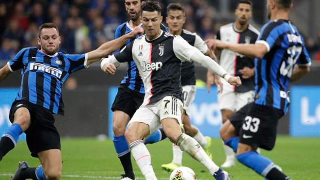 """Ronaldo hay nhất trận Inter - Juventus dù không ghi bàn, vẫn """"buồn"""" vì Messi - 1"""
