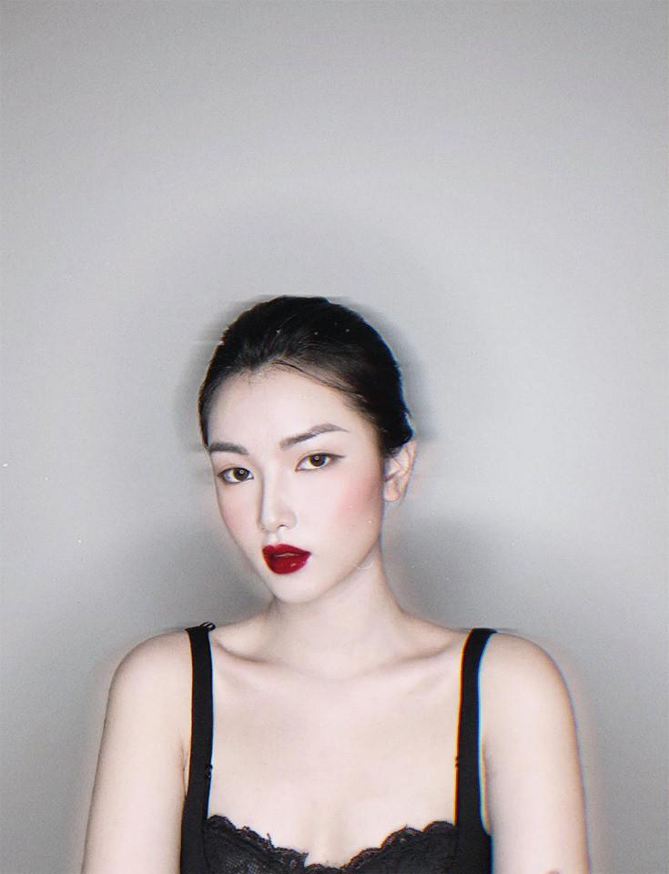 Thủ môn Bùi Tiến Dũng bị bắt gặp đi siêu thị cùng nữ MC xinh đẹp của VTV - 6