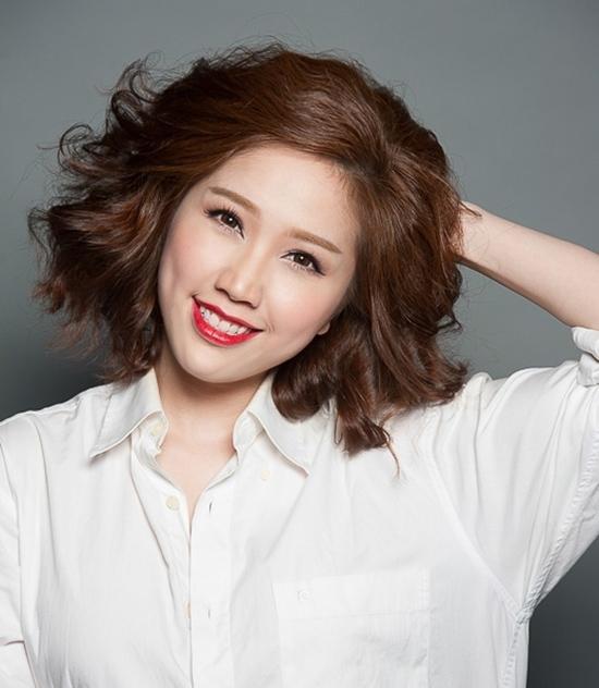 Kiểu tóc ngắn cho mặt tròn to đẹp giúp che khuyết điểm hoàn hảo - 14