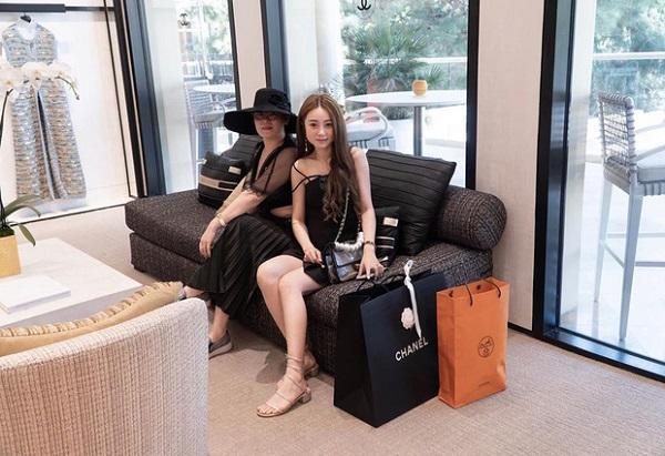 Rich kid Việt gây xôn xao mạng xã hội với màn shopping hết 2,3 tỷ đồng ở trời Tây - 4