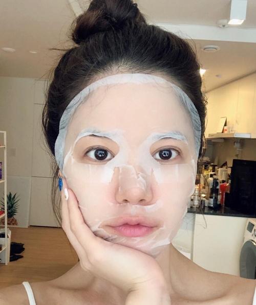 Sai lầm phổ biến khi đắp mặt nạ khiến da thêm xuống cấp - 5