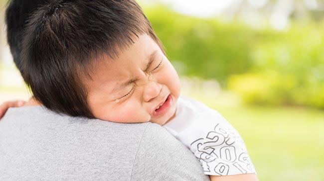 Khi con nổi loạn, tức giận, cha mẹ đừng la mắng mà hãy áp dụng 5 cách này - 3