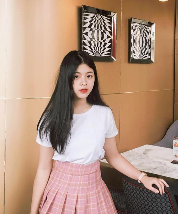 Con gái út nghệ sỹ Chiều Xuân ăn mặc gợi cảm khoe sức sống tuổi thiếu nữ - 6