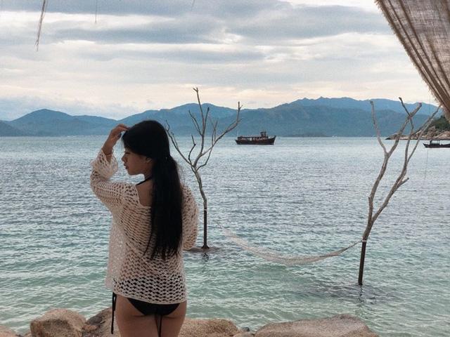 Con gái út nghệ sỹ Chiều Xuân ăn mặc gợi cảm khoe sức sống tuổi thiếu nữ - 9