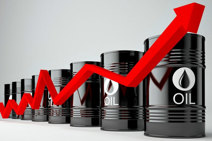 Đầu tuần, giá xăng dầu tăng vọt - 1