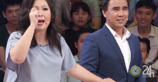 """NSND Hồng Vân """"bóc phốt"""" MC Quyền Linh nhưng MC Lại Văn Sâm đỡ lời - Giải trí"""
