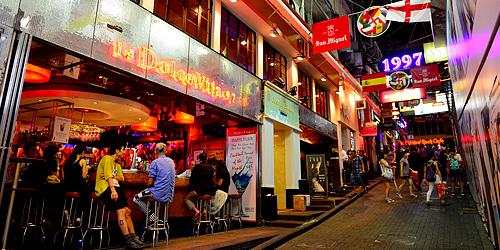 Check-in những địa điểm 'chanh xả' đẹp như bồng lai tiên cảnh tại 'thành phố không bao giờ ngủ' Hong Kong - 2