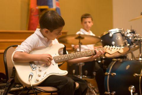 9 kỹ năng dạy trẻ tự tin trước đám đông - 1