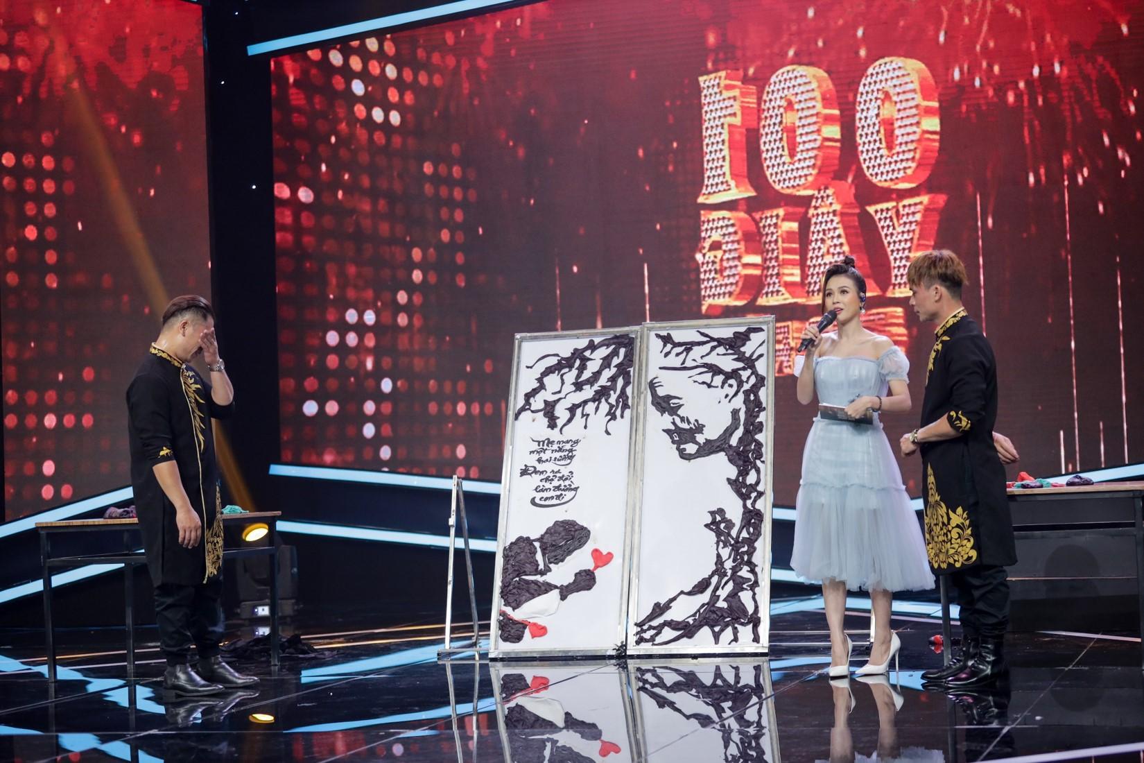Đang hát, nam ca sĩ bị fan nữ lên sân khấu làm điều bất ngờ - 8