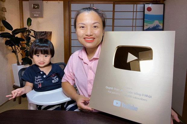 """Bà Tân Vlog đang lao đao, một Youtuber khác nhanh chân soán ngôi với 1,2 triệu """"fan""""? - 4"""