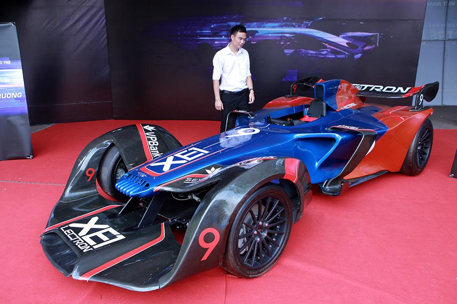 """Cận cảnh """"siêu xe F1"""" do người Việt Nam chế tạo - 1"""