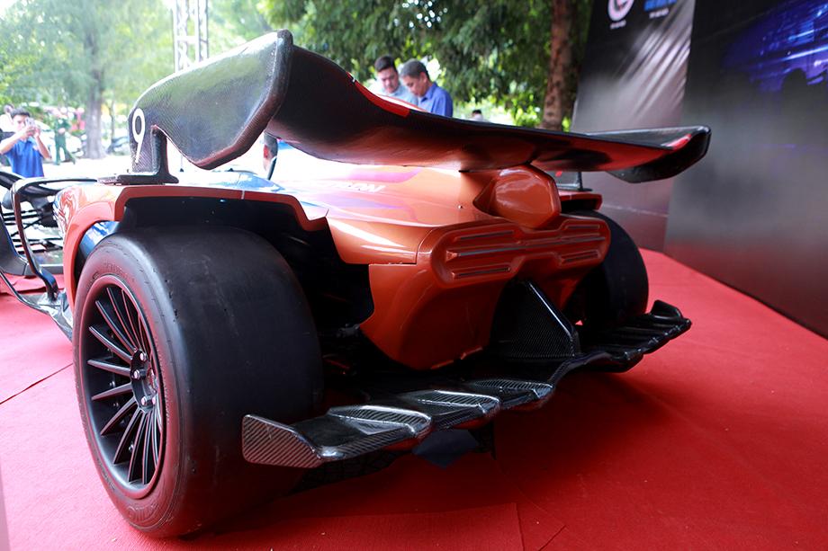 """Cận cảnh """"siêu xe F1"""" do người Việt Nam chế tạo - 6"""