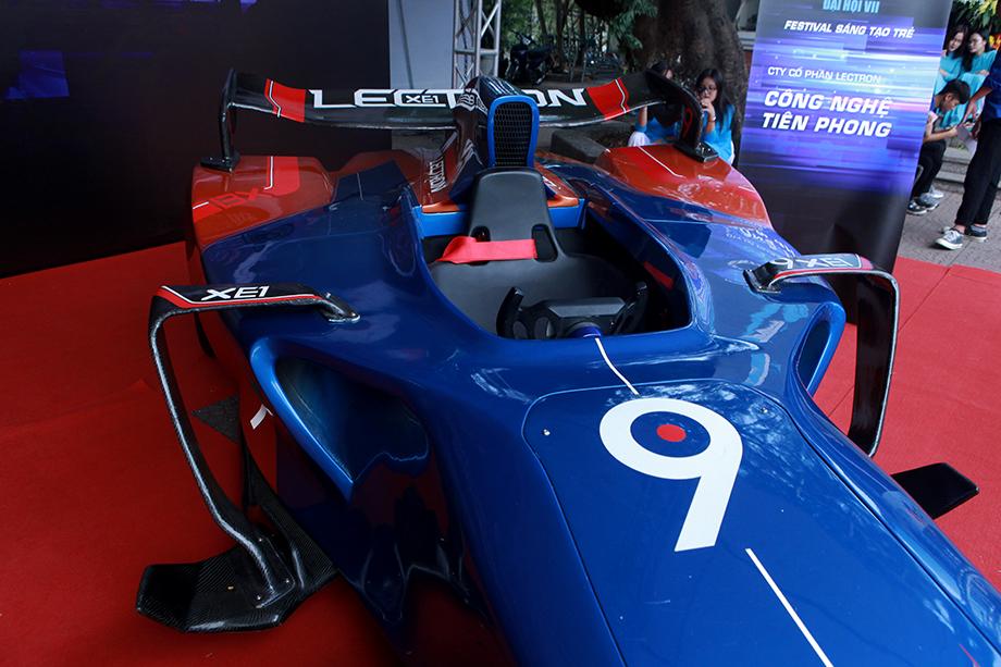 """Cận cảnh """"siêu xe F1"""" do người Việt Nam chế tạo - 9"""