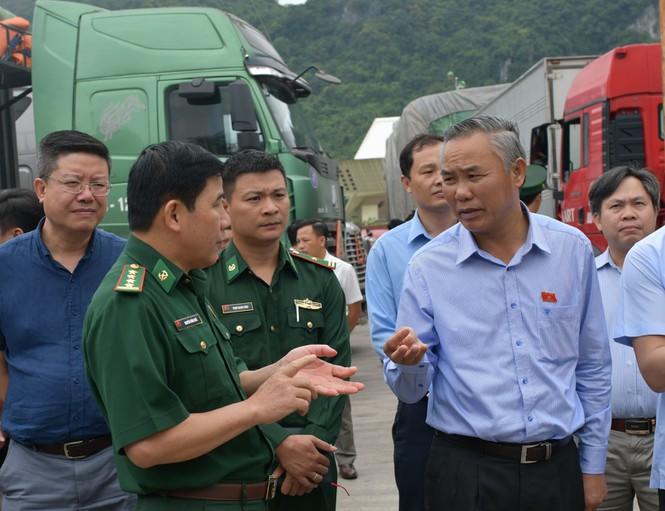 """Vì sao 500 xe nông sản Việt Nam bị """"tắc"""" ở cửa khẩu Tân Thanh? - 2"""