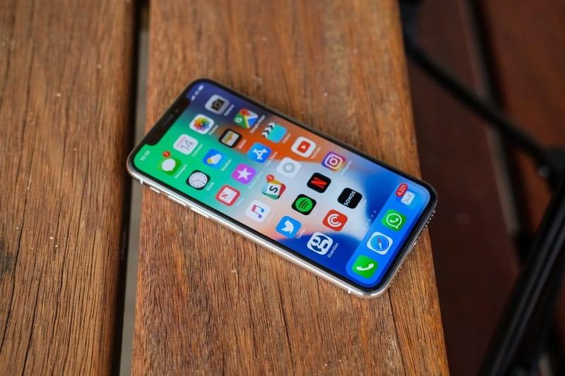 Những dấu hiệu nhận biết chiếc iPhone của bạn cần phải thay pin mới - 1